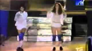 t.A.T.u-Malchik Gay ( Live from MTV)
