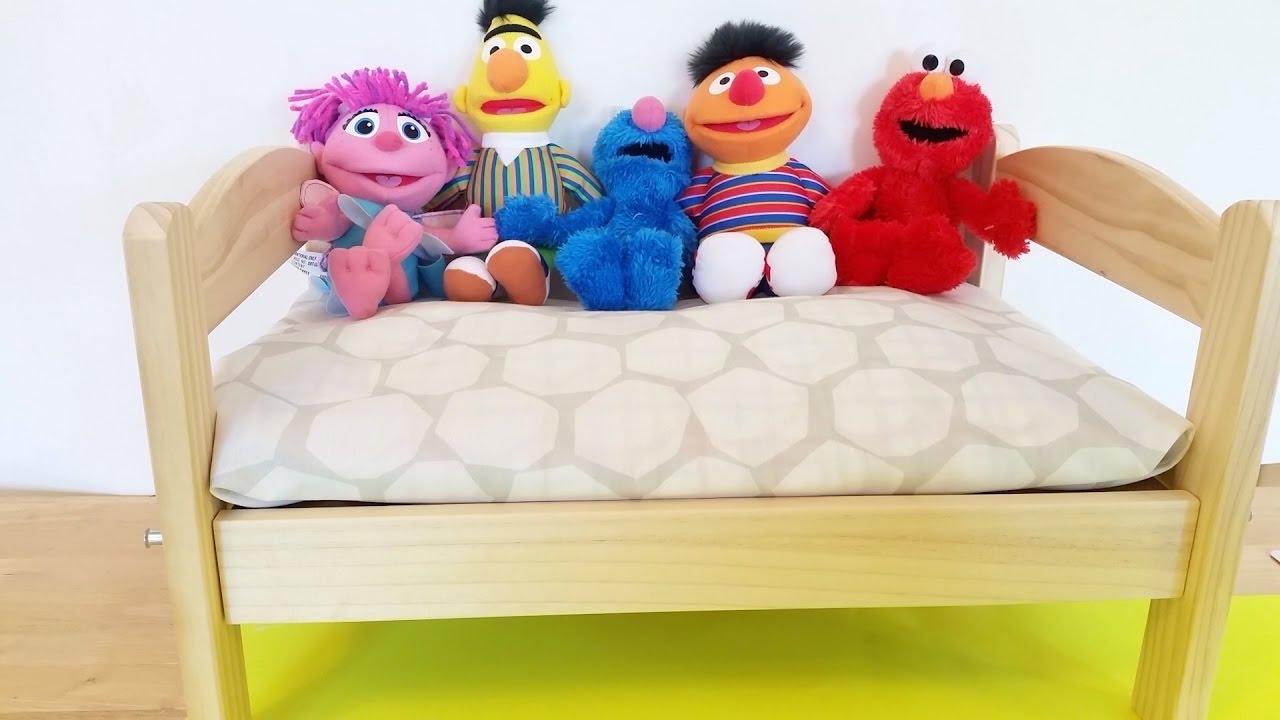 Finger Family Song Sesame Street Nursery Rhymes Elmo Cookie Monster Ernie Abby Bert
