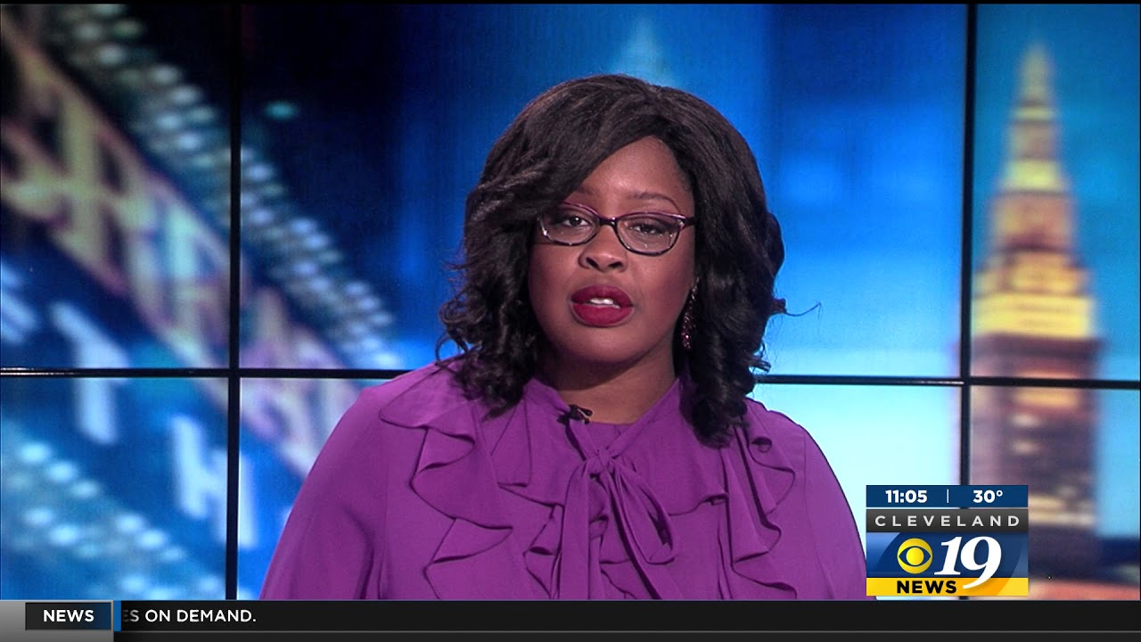 Sia Nyorkor anchors Cleveland 19 News @11pm on December 24, 2017