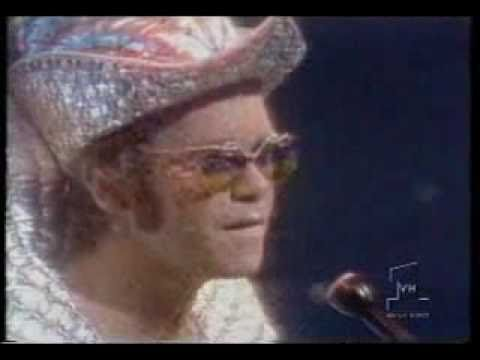 Elton John- Lucy In The Sky With Diamonds