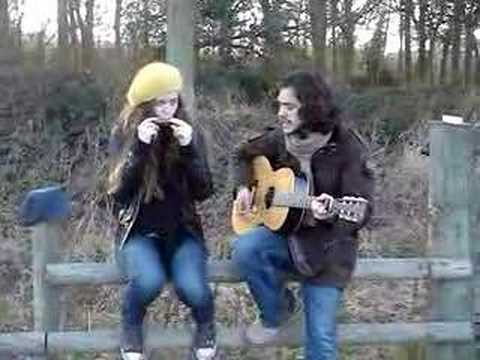 Jack Savoretti and the girl in the yellow hat