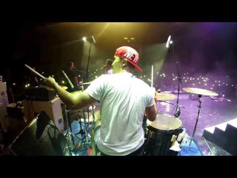hijau daun live concert papua - suara (ku berharap) -  drum cam rio star