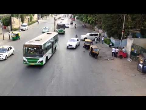 Roll-Royce CLOSE CALL In Bangalore,India!