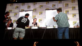 Comic-Con Futurama Panel: Bender drawing contest between Matt Groening and Peter Avanzino