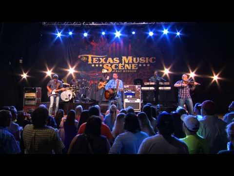 Casey Donahew Performs