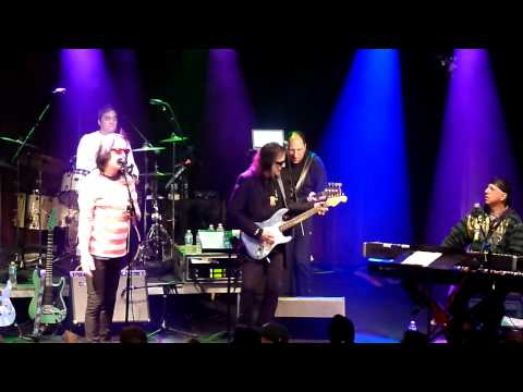Todd Rundgren and utopia Dust in the wind Highline ballrom NYC 1/30/11 Mp3