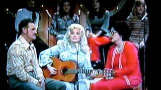 Dolly  Parton with her mom and Dad on 60 minutes        cbs