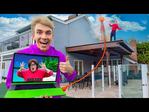 FACETIMING MYSTERY NEIGHBOR STUCK in HAWAii! (Spy Plane Prank DELIVERY)