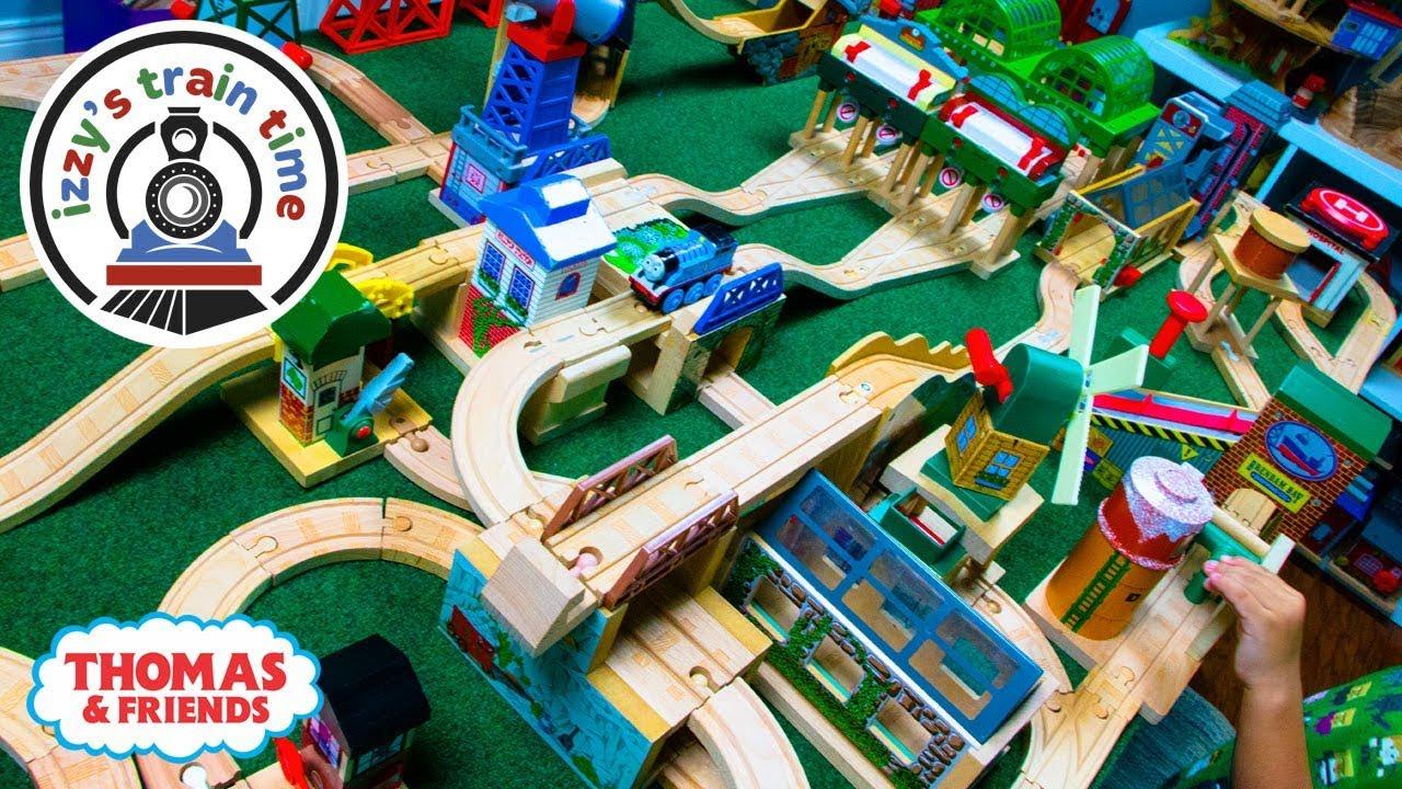 Montessori Wooden Educational Preschool Toys Activity Cube