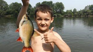 Рыбалка Саша ловит рыбу(Спасибо, что смотрите мое видео! https://www.youtube.com/playlist?list=PL4A4UcUBT36cdSvXb1nz4VyrmKPHdloej Ставьте лайки! Подписывайтесь..., 2016-09-04T07:25:13.000Z)