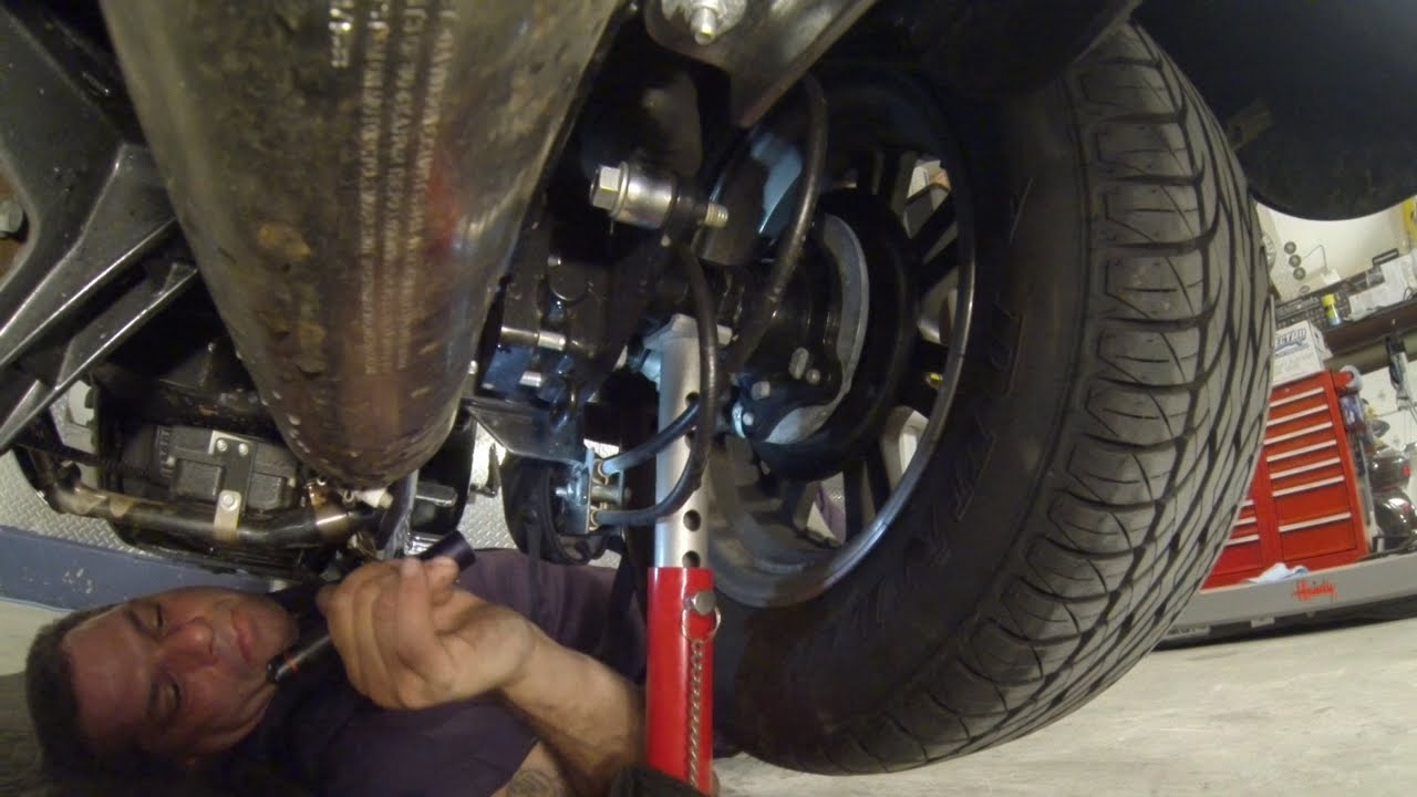 Under the Harley Davidson Trike | Fix My Hog on