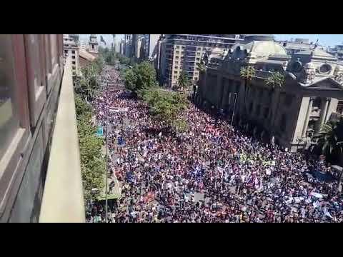 Multitudinaria manifestación en Santiago de Chile