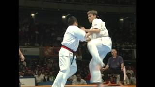 第9回全世界空手道選手権大会 4回戦 前川憲司(日本) vs. デニス・グリ...