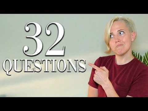 """32 Questions With Hannah Hart 