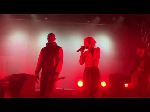 Trigger Bang feat. Giggs - Lily Allen live in London - The Dome, Tufnell Park