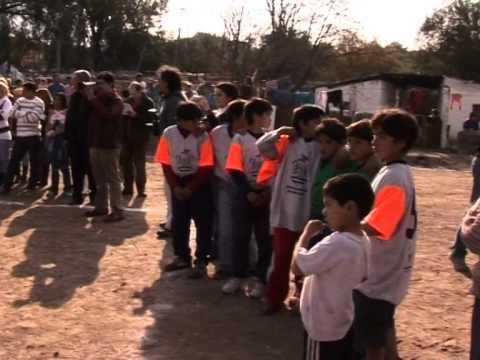 Romina Picolotti Limpieza de Basural Bajo Pueyrredon- Cleaning of open waste site Argentina