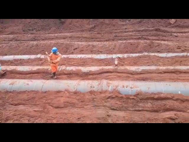 Tubos de Ferro Fundido - Assentamento e compactação do solo