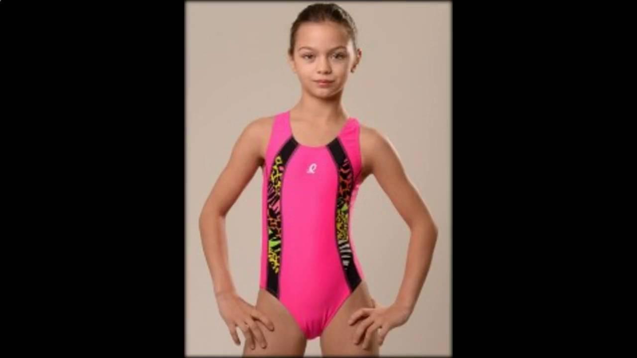 девушки гимнастки в купальниках