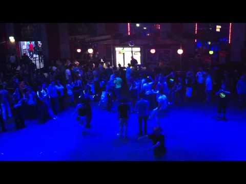 Jörg Bausch (Live - 10.06.2017-Oberhausen Olé) von YouTube · Dauer:  4 Minuten 10 Sekunden