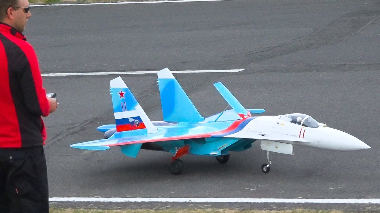 AMAZING RC JET SU-27 SCALE MODEL*RC SUCHOI SU 27 FLANKER / Jet Power Fair 2016 - YouTube