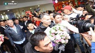 Đi Đón Huyền thoại MU 92 Ryan Giggs và Paul Scholes tới Việt Nam