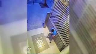 ishal olan adam güvenlik kamerasında komik küfürlü :)