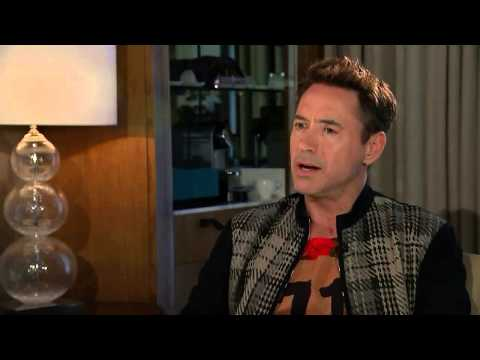 RDJ walks out of the interview - Avengers : Age of Ultron