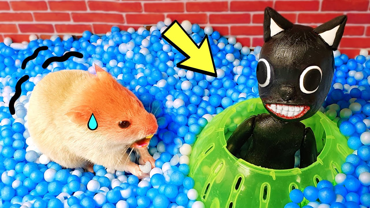 Cute Hamster pets SIREN HEAD but with Traps in maze - Obstcle Rescue Cartoon by Life Of Pets Hamham