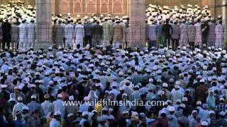 Muslims take part in Eid al-Fitr prayers at Jama Masjid, New Delhi