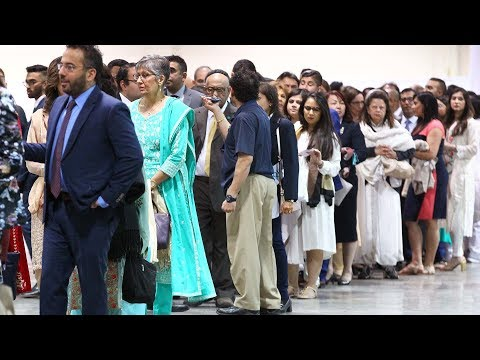 Thousands come out for Aga Khan's diamond jubilee
