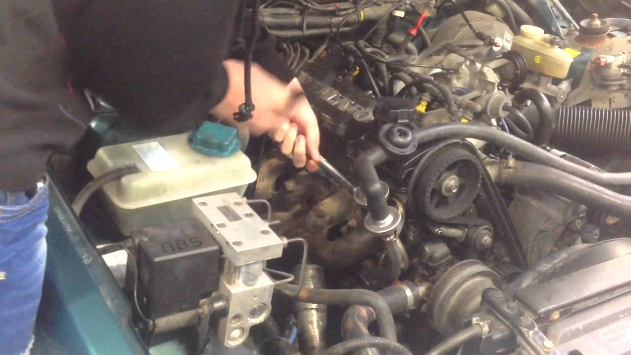 How To Change Spark Plugs For A Volvo 940 Youtube 1997 960 Engine Diagram