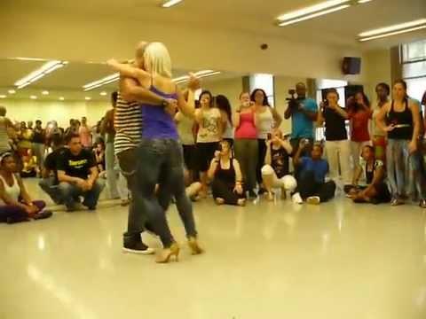 Blonde Booty Dance