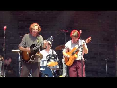 Kings Of Convenience - Boat Behind (Live) - Primavera Sound (2012/06/02)