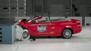 2007 Volvo C70 moderate overlap IIHS crash test