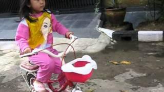 kinant bisa naik sepeda