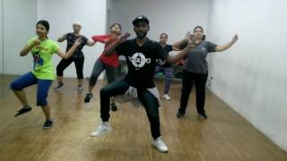 Toma   Reggaeton   Zumba® fitness   Official Choreo by Sandy