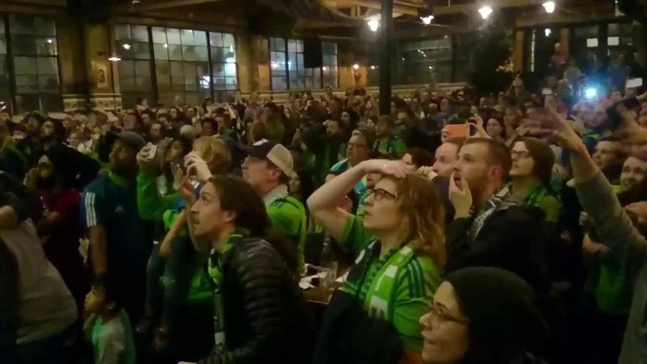 Fan Reaction - MLS Cup 2016 - Seattle Sounders Win