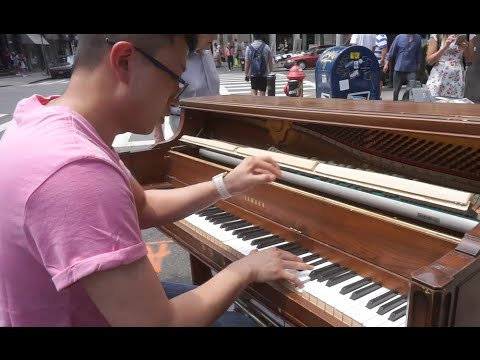 Ravel - Jeux D'eau on a Street Piano in NYC played by Shuai Zhang