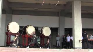 阪神淡路大震災を機に結成された松村組による、和太鼓演奏の様子です。 ...