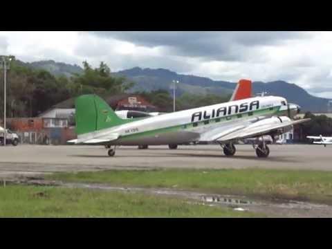 Douglas DC-3 Dakota piston props in commercial operation, Villavicencio, Colombia [AirClips]