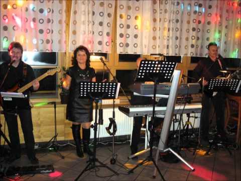 Skupina BAJADERA - Smotala si me (Live).wmv