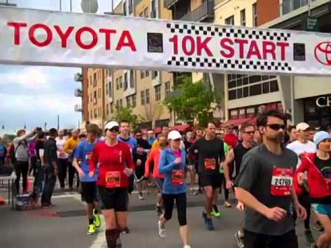 toyota 10k Ryan Hall Wins Flying Pig Toyota 10K - YouTube