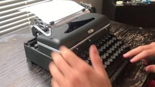 1947 Royal Quiet De Luxe Typewriter