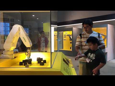 產業機器人--  闖關機器人
