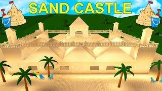 I Built A Huge SAND CASTLE Mansion In Bloxburg! (Roblox)
