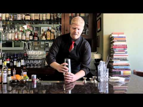how-to-make-a-cosmopolitan---drinkskool-cocktails