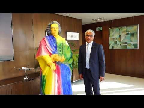 Bonn Mayor Ashok Sridharan celebrates Bonn International School's 20th Birthday