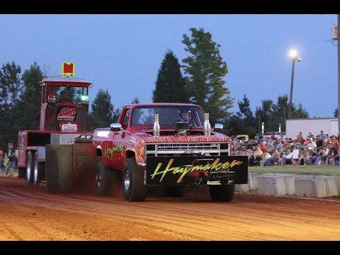 6400 Pro Stock 4x4 Trucks Pulling At Farmville August 30 2014