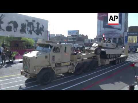 Parade marks anniversary of Iraq republic