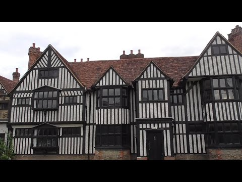 Southall.  Elizabethan Manor House & grounds.  Southall Middlesex UK